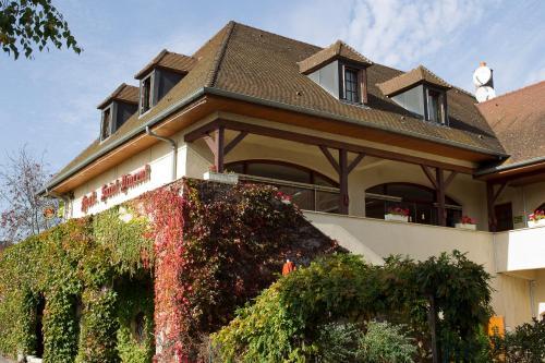 Hostellerie St Vincent : Hotel near Comblanchien