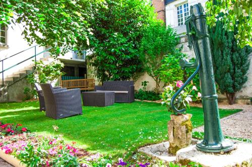 Les Chambres Panda : Guest accommodation near Seigy