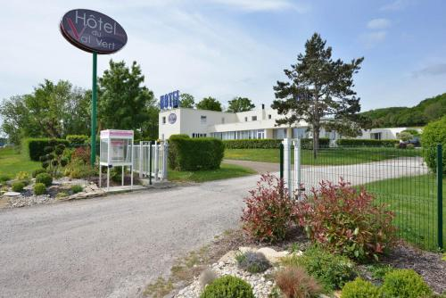 Hotel du Val Vert : Hotel near Villeberny
