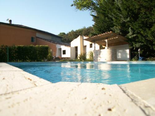 Le Fouloir à Draps : Guest accommodation near Sainte-Anastasie-sur-Issole