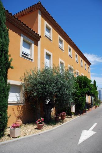 Hôtel de l'Orb : Hotel near Faugères
