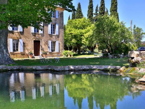 Demeure d'hôtes la carraire : Guest accommodation near Puyvert