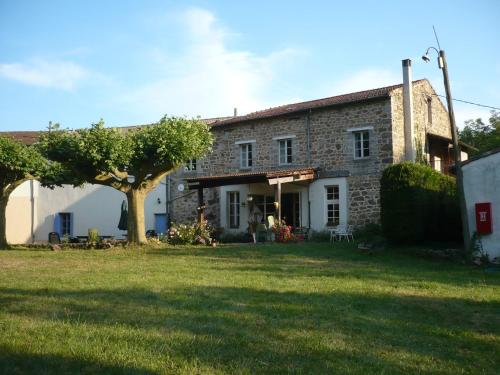 Les Blaches : Bed and Breakfast near Chalencon