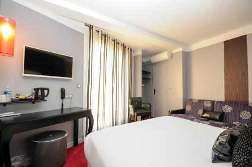 Nyx Hotel : Hotel near Villeneuve-la-Rivière