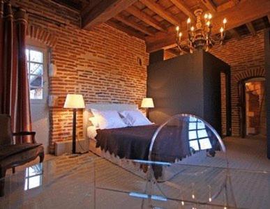 Chambres d'hôtes La Tour Sainte-Cécile : Bed and Breakfast near Albi