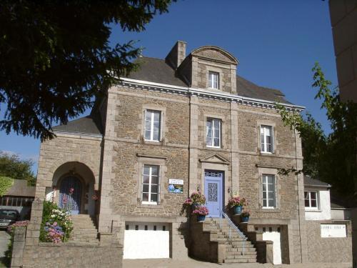 La Demeure aux Hortensias : Bed and Breakfast near Pleurtuit