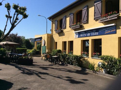 Hôtel Restaurant Au Fil de l'Eau Strasbourg Nord : Hotel near Mundolsheim