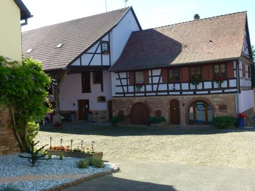 Ferme Martzloff : Bed and Breakfast near Breuschwickersheim