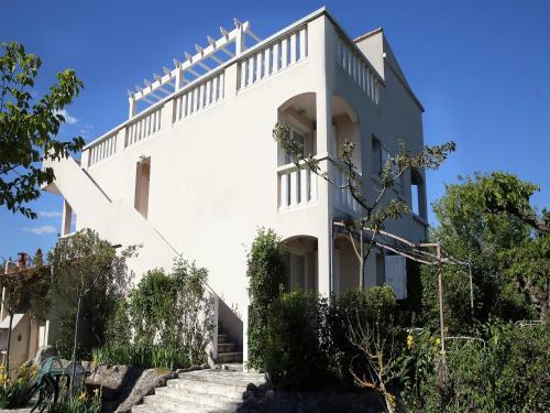 Résidence les Mûriers : Apartment near Servas