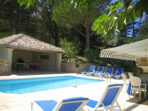 Villa Liodrey les Pins : Guest accommodation near Montjustin