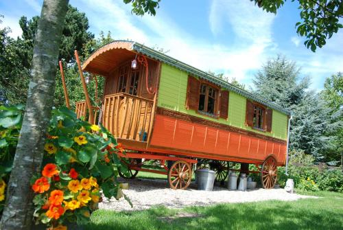 Capucine : Guest accommodation near Genneville