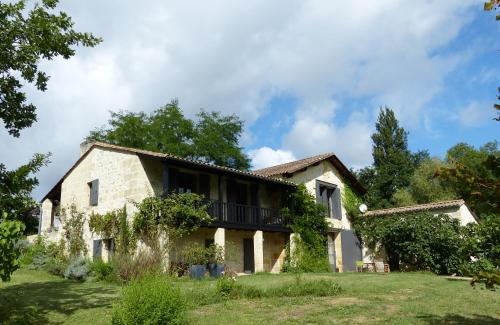 Piqueroque : Bed and Breakfast near Lamothe-Montravel