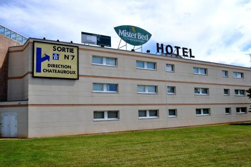 Hotel F1 Bourges : Hotel near Crézançay-sur-Cher