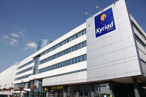 Kyriad Hotel Massy : Hotel near Massy