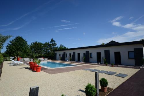 Hostellerie de la Renaissance - Les Collectionneurs : Hotel near Montgaroult
