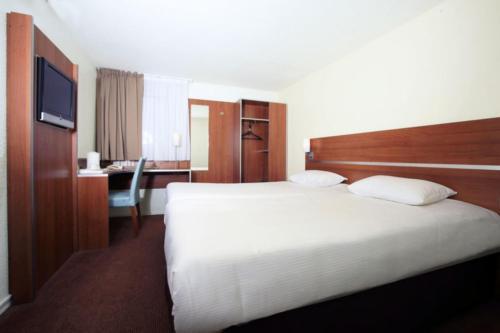 Comfort Hotel Aeroport Lyon St Exupery : Hotel near Pusignan