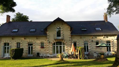 Loire Valley Cottages : Guest accommodation near Saint-Georges-du-Bois