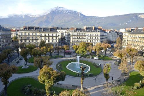Hôtel d'Angleterre Grenoble Hyper-Centre : Hotel near Grenoble