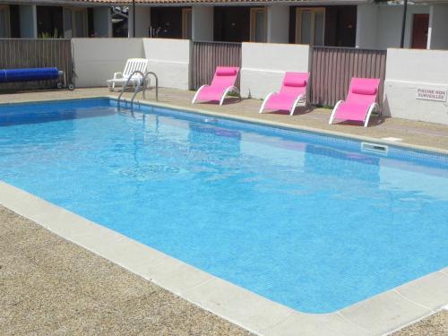 Hotel Les Pins : Hotel near Naujac-sur-Mer