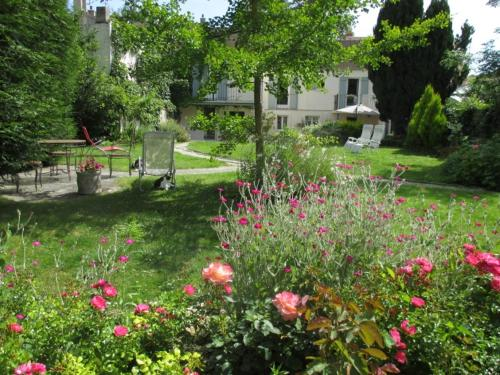 La Maison de Cosi : Bed and Breakfast near Saint-Léger-en-Yvelines