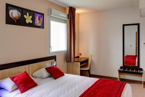 Akena City de Romilly : Hotel near Mesgrigny