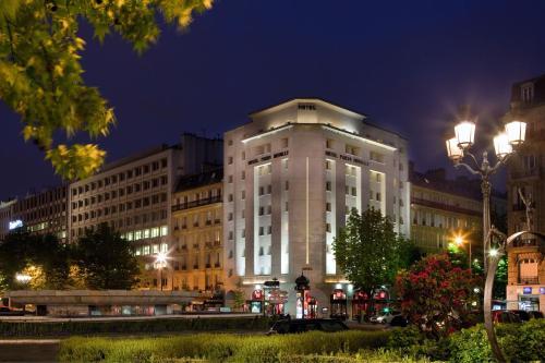 Hôtel Paris Neuilly : Hotel near Neuilly-sur-Seine
