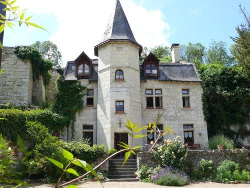 Le Petit Hureau : Bed and Breakfast near Saint-Cyr-en-Bourg