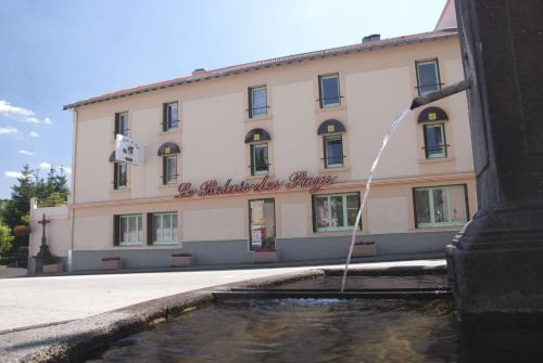 Logis Relais Des Puys : Hotel near Chapdes-Beaufort
