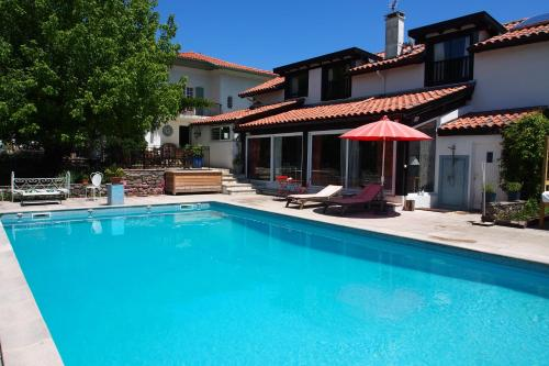 Domaine de Millox : Bed and Breakfast near Saint-Martin-de-Hinx