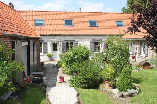 L'Aubaine : Bed and Breakfast near Liencourt