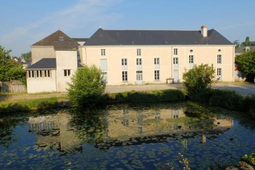 Gîte des Grands Moulins de Baugé : Guest accommodation near Cuon