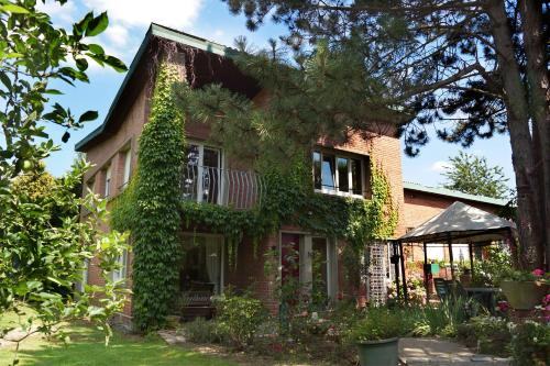 La Maison D'Adam : Bed and Breakfast near Louvil