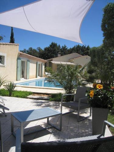 Le Clos Olives : Guest accommodation near Saint-Pierre-de-Mézoargues