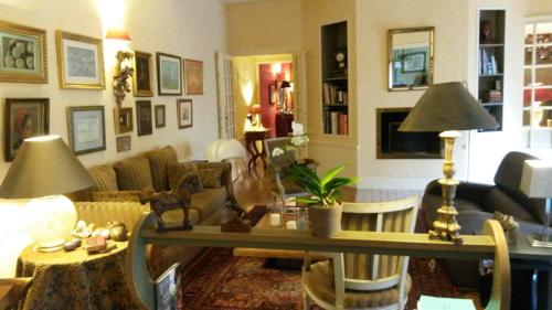 Maison Epellius : Bed and Breakfast near Couzon-au-Mont-d'Or