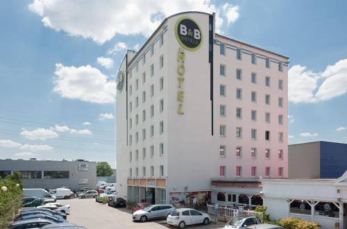 B&B Hôtel Lyon Vénissieux : Hotel near Saint-Fons