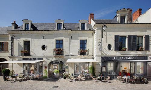 Hotel La Croix Blanche Fontevraud : Hotel near Thizay