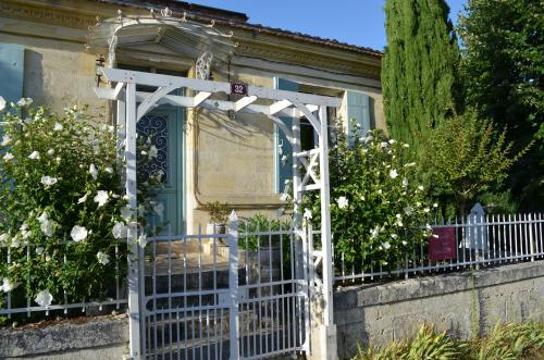Le Jardin Secret : Bed and Breakfast near Saint-Genès-de-Blaye