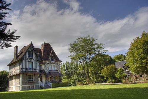 Le Clos des Pommiers : Bed and Breakfast near Ancteville