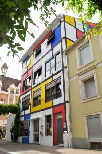 Maison Mondrian : Bed and Breakfast near Mulhouse