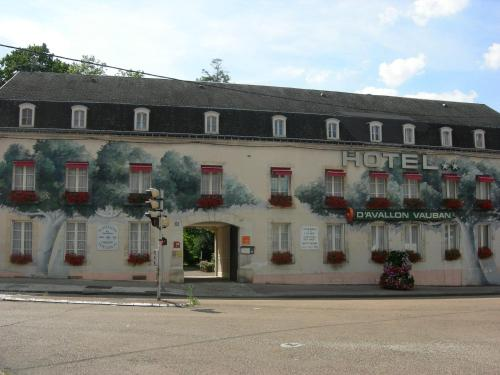 Citotel Avallon Vauban : Hotel near Nitry