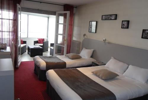 Brit Hotel Bleu Nuit : Hotel near Saint-Sauvant