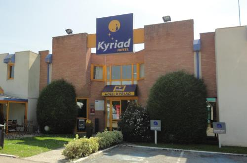 Kyriad Chantilly : Hotel near Rieux