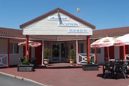 Fasthotel Saint-Amand-Montrond : Hotel near Thevet-Saint-Julien