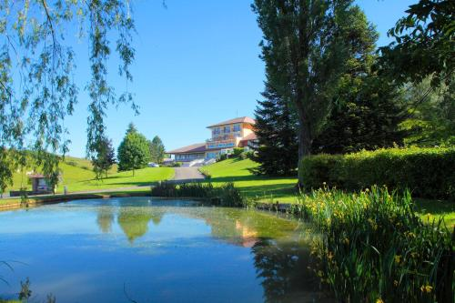 Hotel The Originals Domaine du Revermont (ex Relais du Silence) : Hotel near Perrigny