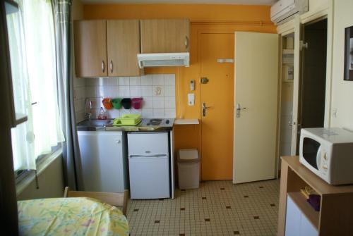 Au Coeur de Bourg... : Apartment near Graye-sur-Mer