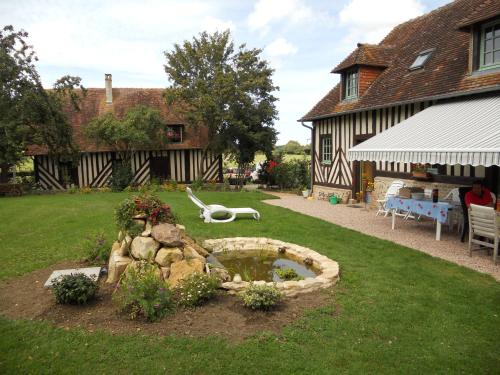 La Baronnie : Bed and Breakfast near Percy-en-Auge