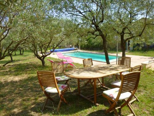 L'Oliveraie : Guest accommodation near Saint-Martin-de-la-Brasque