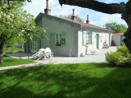 Gite Les Charmettes et Spa : Guest accommodation near Bonnevaux-le-Prieuré
