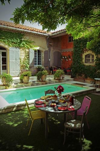 Chambres d'hôtes Maison Auguste : Bed and Breakfast near Salon-de-Provence