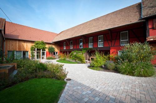 Les Authentics - Le Domaine d'Autrefois & Spa : Guest accommodation near Erstein